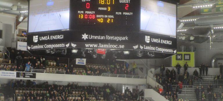 Sonntagsmesse und Ice Hockey