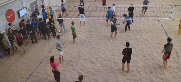 Bowling und Beachvolleyball Turnier